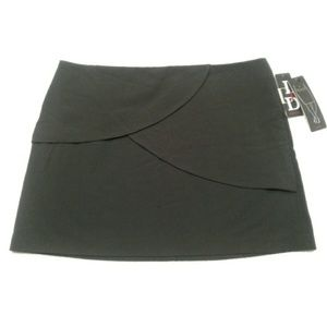 New Delia Collection mini skirt size 12